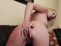 Brea Bennett bares it all as